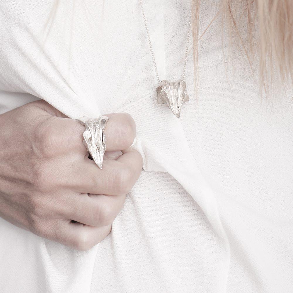 Eagle's beak ring with pendant set