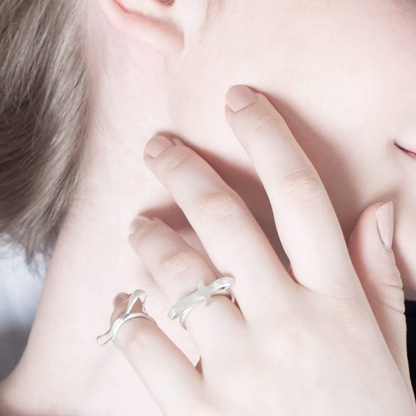 Minimalistic and stunning sterling silver bird ring in set of two