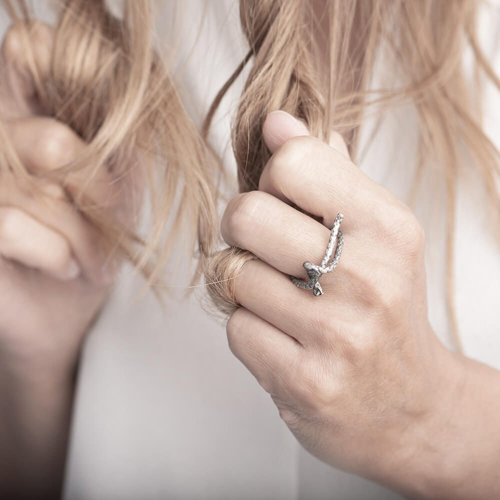 Minimalistic silver rope ring with details