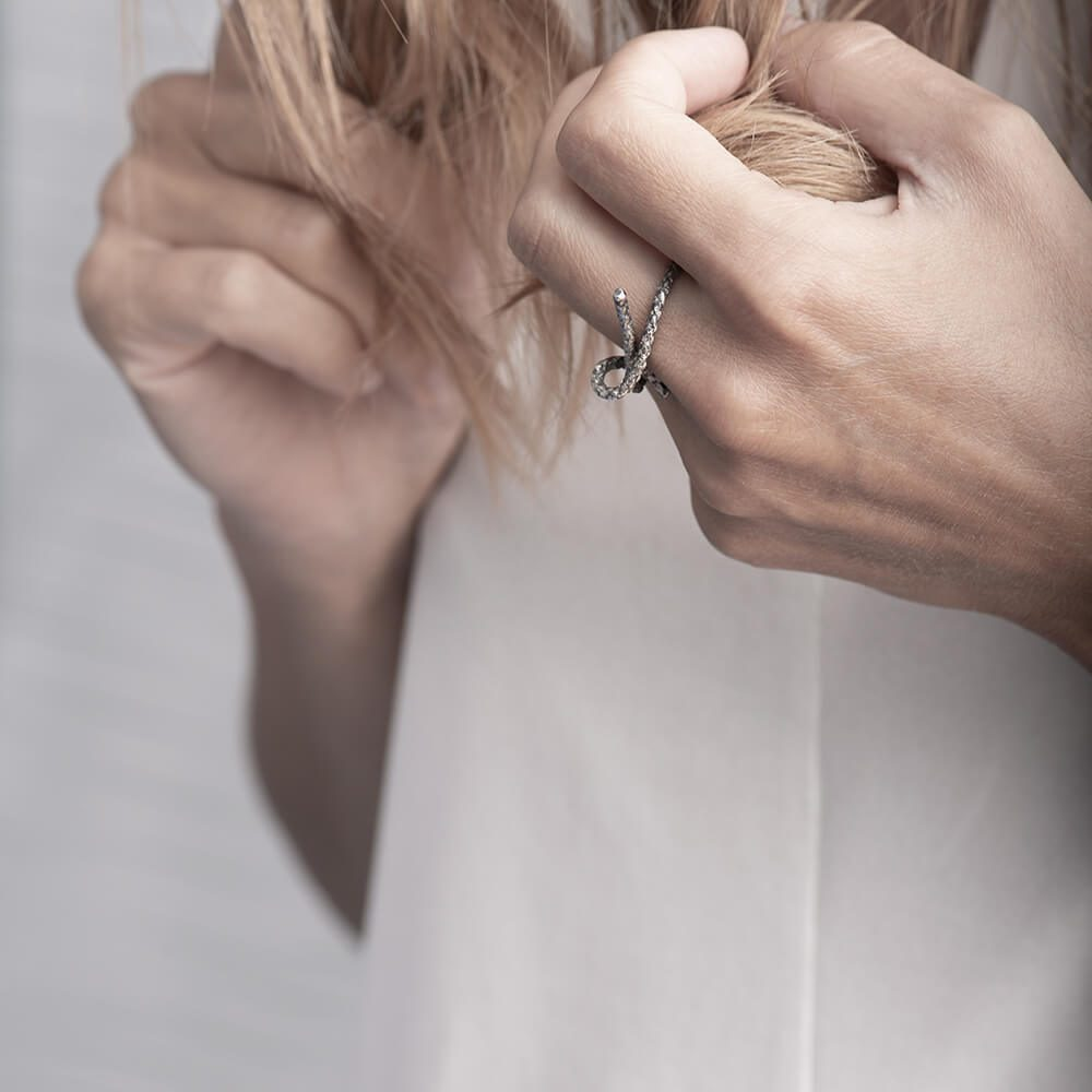 Minimalistic silver knot ring