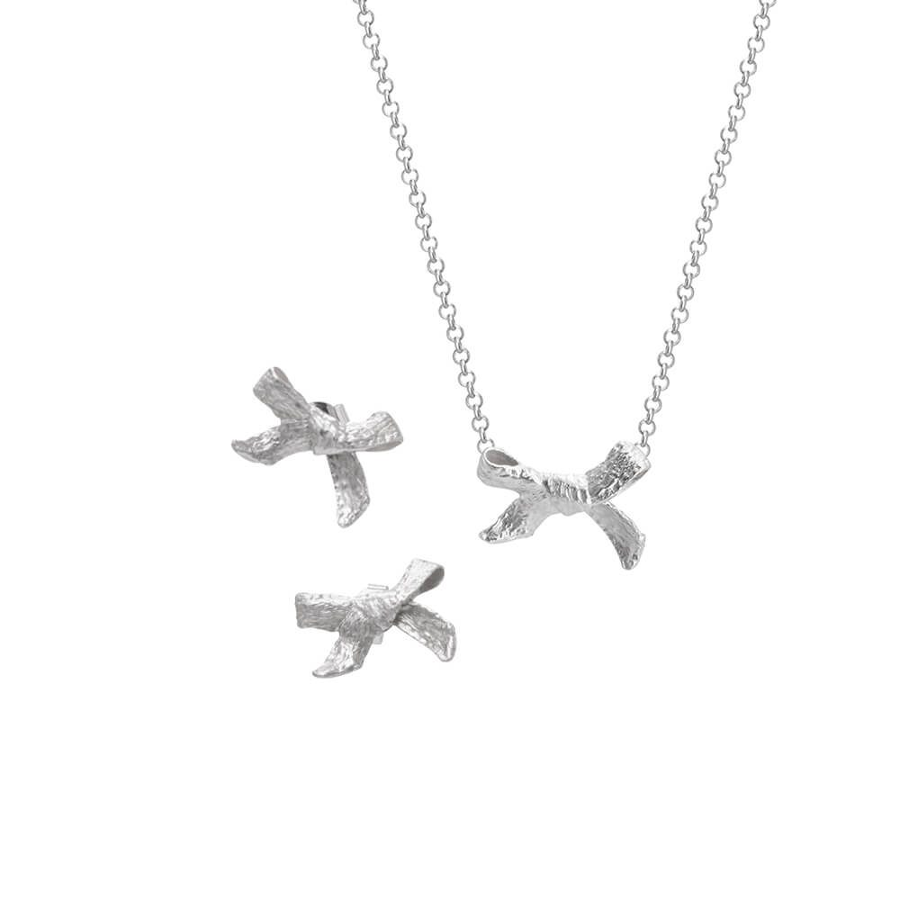 Set for mothers, necklace with pendant and earrings Bows